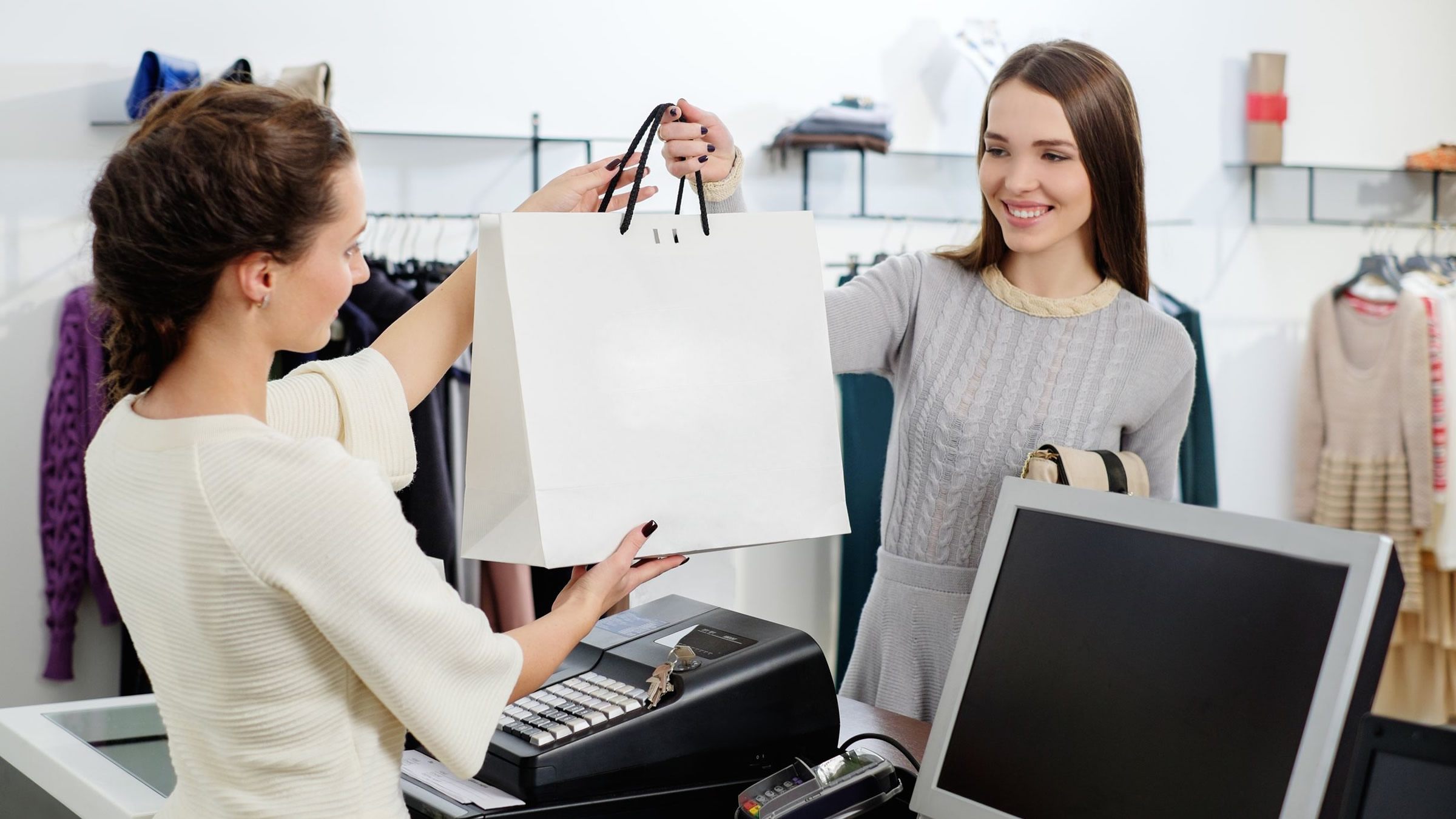 customer s perception of online shopping buying Consumer behavior online shopping commerce: a website's ability to allow customers to make purchases safely, and also to make returns iii.